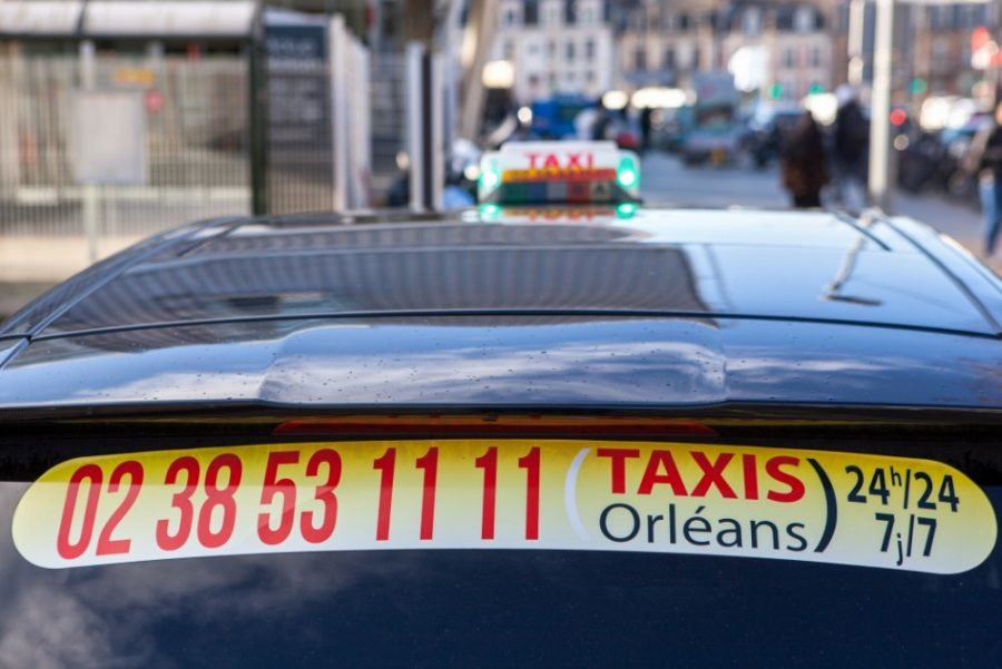 22- Nos taxis disponible 24h/24 et 7j/7